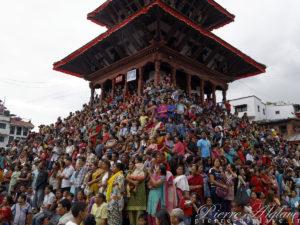 Prêts pour voir passer la Kumarit - Katmandou