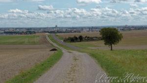 Au loin Troyes