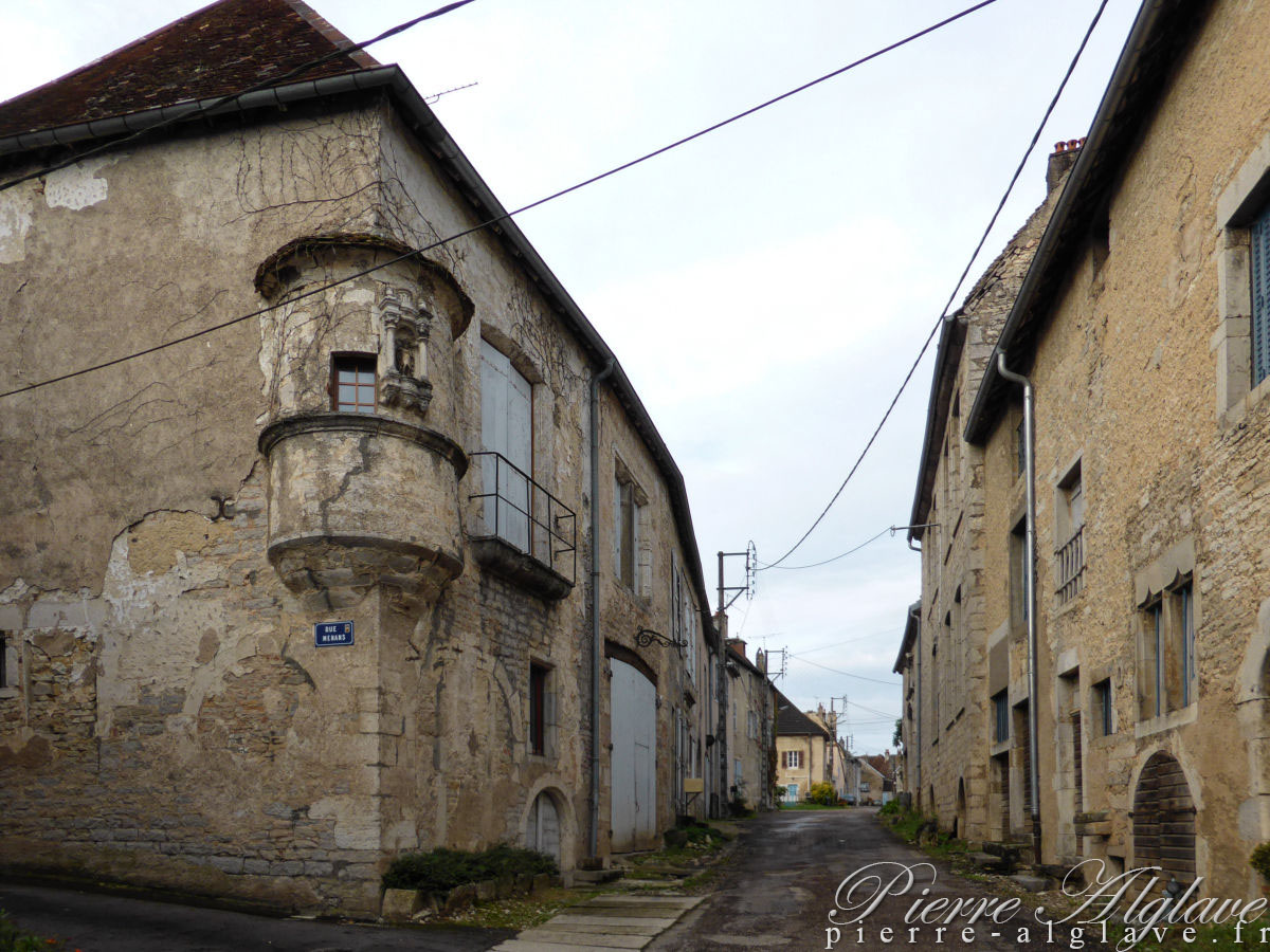 Gy, rue Menans