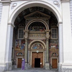 Aoste : porche de la cathédrale