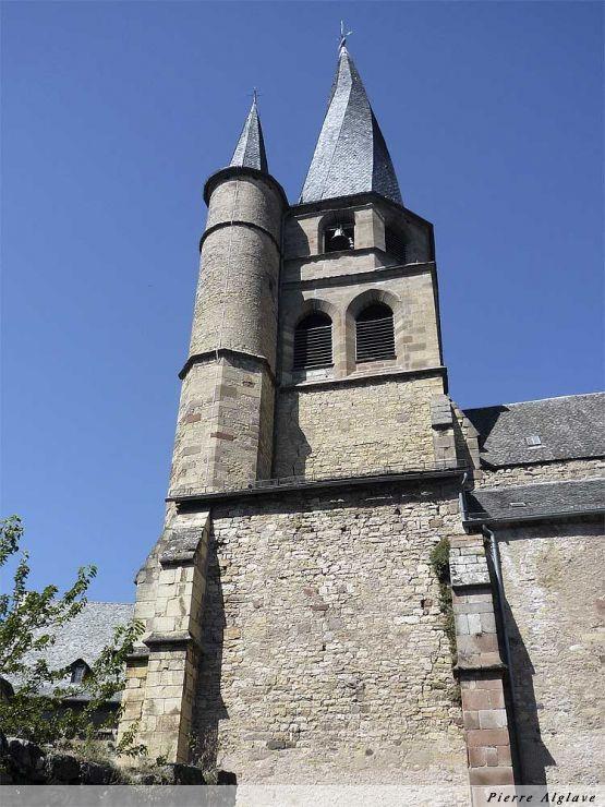 Le clocher vrillé à Saint-Côme-d`Olt