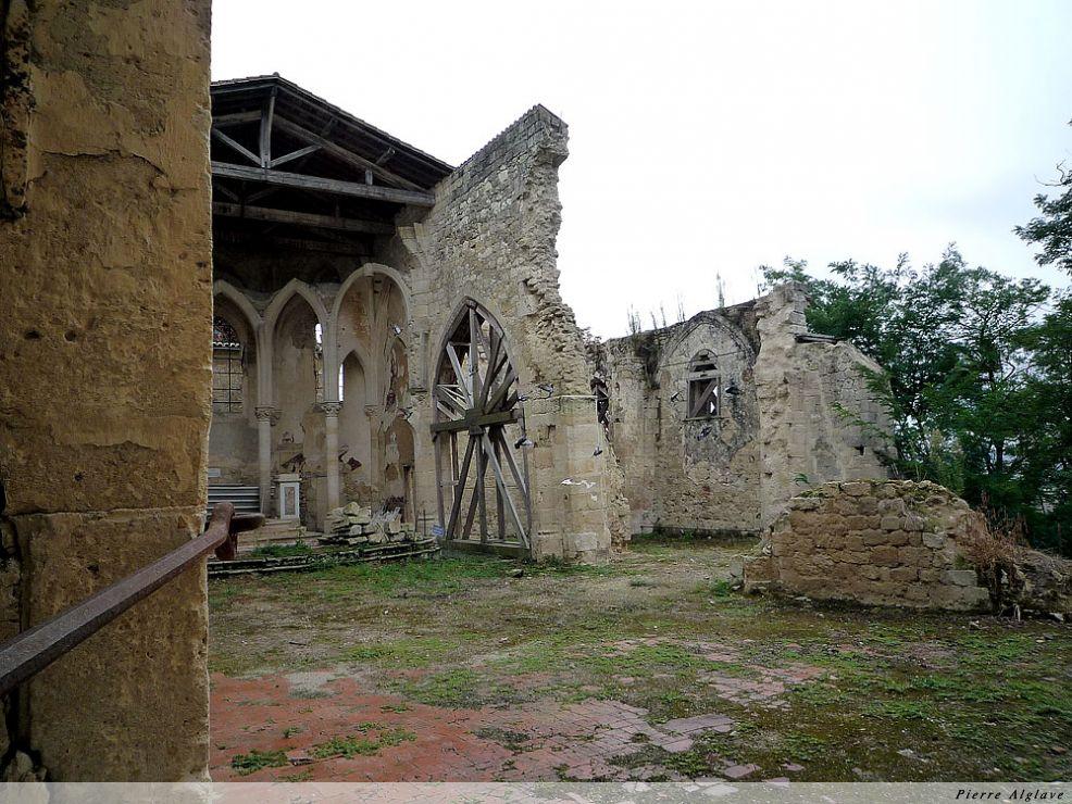 Flamarens, l`église