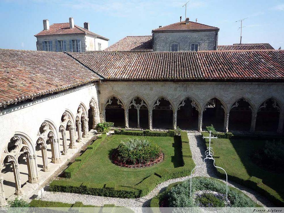 La Romieu, la collégiale Saint Pierre, le cloître