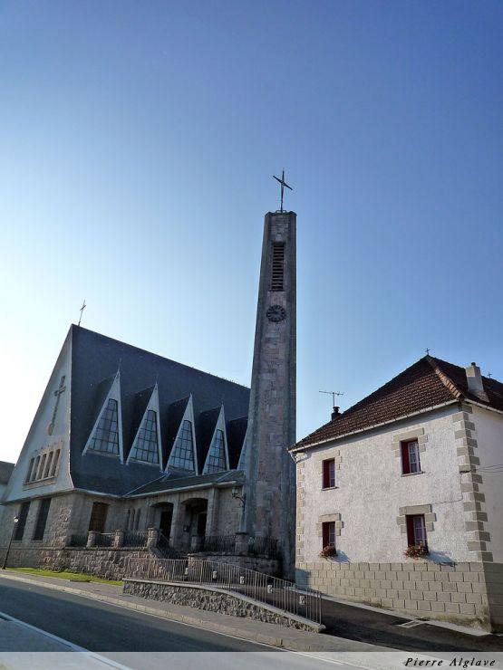 L`église moderne d`Espinal