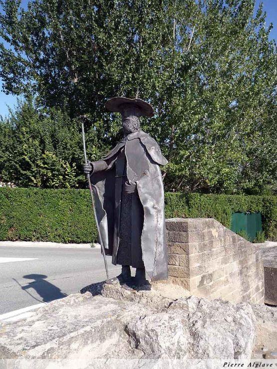 Puente la Reina : monument à la croisée du chemin de Navarre