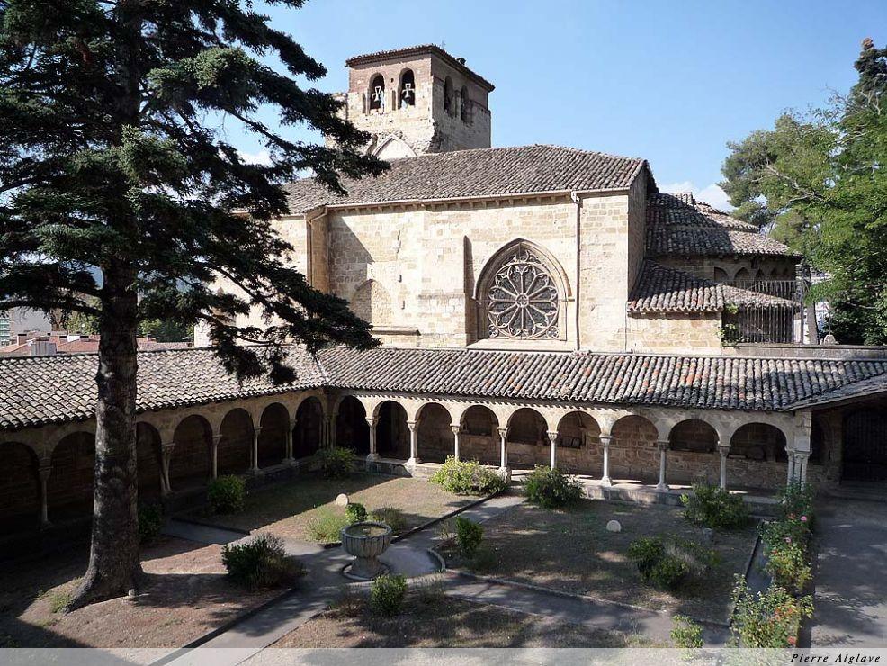 Cloître de l`église San Pedro - Estella