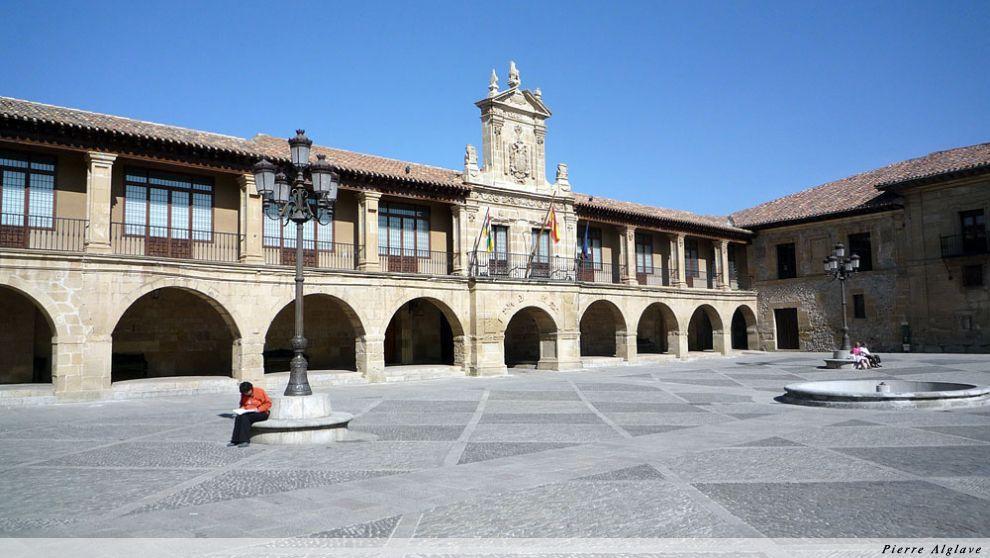 Santo Domingo de la Calzada, Plaza Mayor