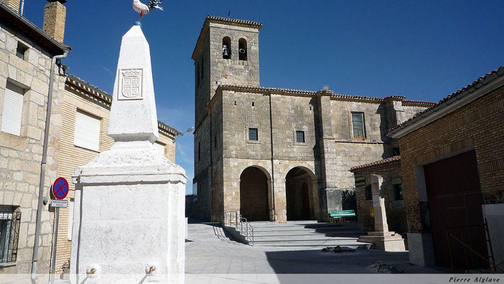 Hornillos del Camino, place de l`église