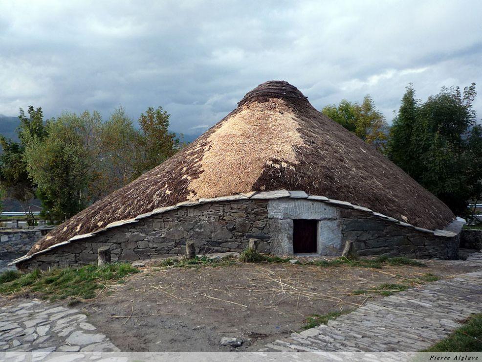 Palloza, maison typique de la région à O Cebreiro