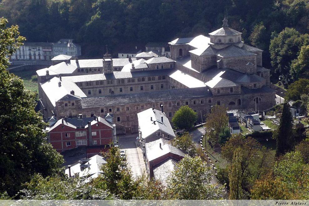 Le monastère à Samos