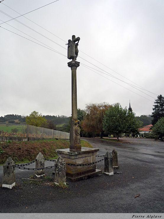 Crucifix avec vierge au poignard