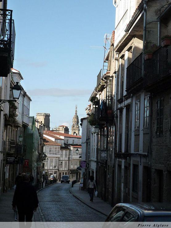 Santiago, la vielle ville, au loin la cathédrale