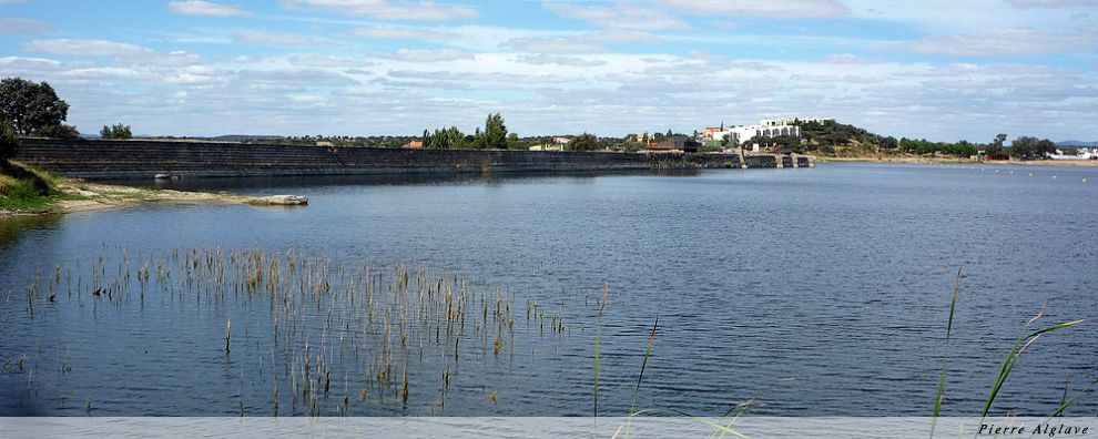 La digue du barrage de Proserpina