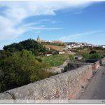 Galisteo vu depuis l\'imposant pont médiéval