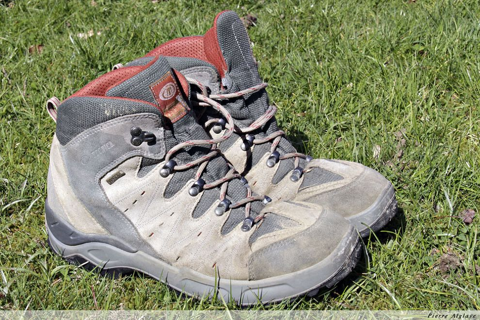 Mes chaussures après Compostelle en 2008
