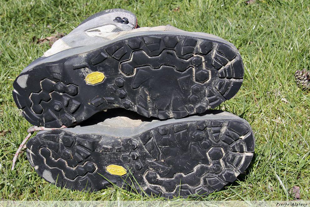 Semelles de mes chaussures après Compostelle en 2008