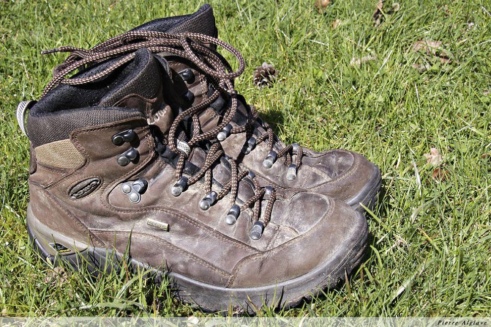 Mes chaussures après Compostelle en 2009